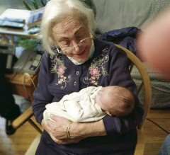 Dora Bloom Turtletaub with great-great-granddaughter